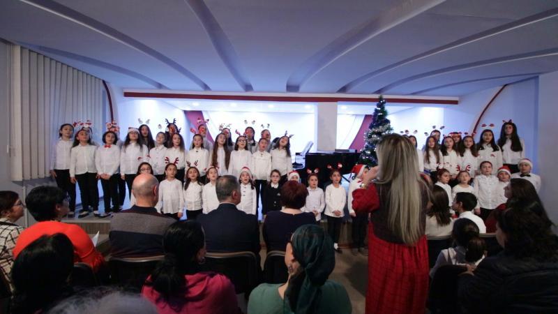 դպրոցի կրտսեր երգչախումբը school youngest choir