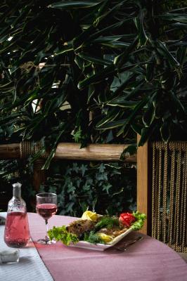 ծիրանի հյուրանոցային եվ ռեստորանային համալիր гостинично ресторанный комплекс цирани tsirani hotel amp restaurant complex