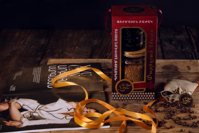 փարիզյան նվեր հավաքածու պրեմիում լուծվող սուրճ գր և ֆիրմային բաժակ премиум растворимый кофе гр и фирменная чаша premium instant coffee gr and brand cup