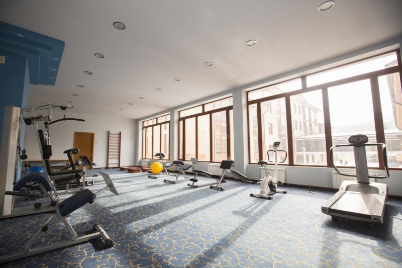 մարզասրահ тренажерный зал gym